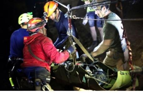 '동굴의 기적' 이룬 태국, 주인공 6만여명 모두 초청해 연회