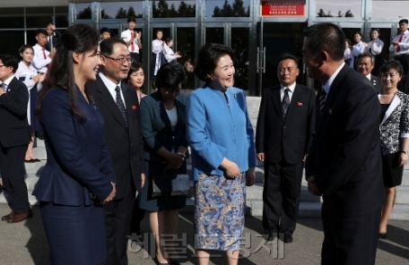 [평양 남북정상회담] 예술외교 계속하는 김정숙…이재용 등도 함께해