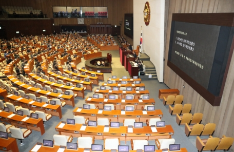 국회 본회의 5시로 연기…규제프리존법 등 쟁점법안 이견