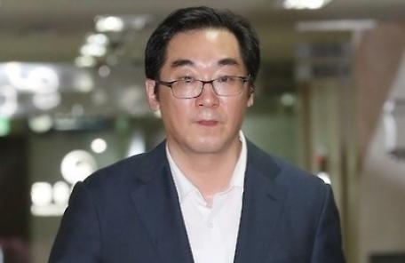 """'민중은 개·돼지' 발언 나향욱 """"징계수위 낮춰달라"""" 신청 기각"""