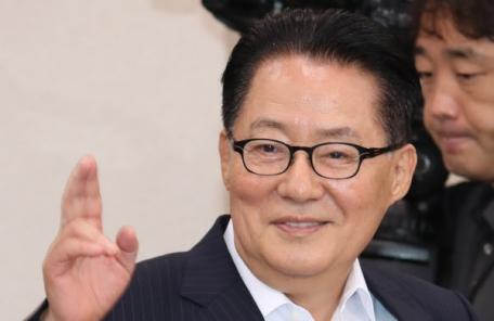"""박지원 """"적대 구호 사라진 평양…살기 위해 핵 폐기하려는 것"""""""