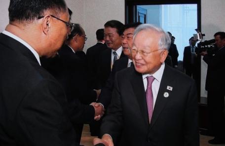 """'방북 수행' 손경식 CJ 회장 """"김정은, 12월에 답방한다고 들어"""""""