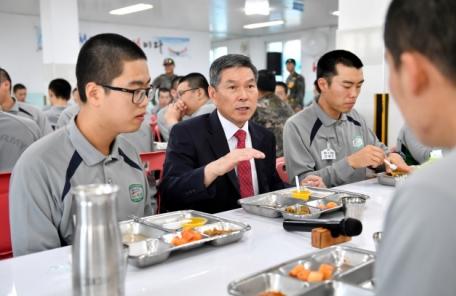 정경두 신임 국방장관, 육군훈련소 방문해 장병 격려