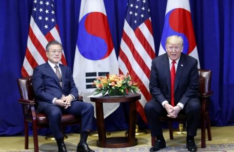 文대통령, 북미정상회담 조기개최에 총력…종전선언ㆍ제재유예 여전히 '오리무중'