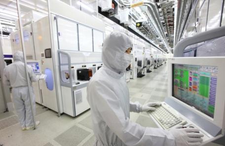 '韓 경제 성장 엔진' 제조업 생산능력, 5달 연속 역대급 감소폭