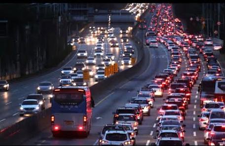 """고속도로 상행선 정체 대부분 풀려…""""10시께 완전해소 될듯"""""""