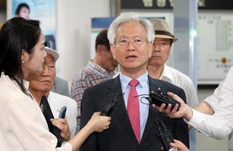 '문재인 공산주의자' 고영주에 1000만원 배상 책임 판결