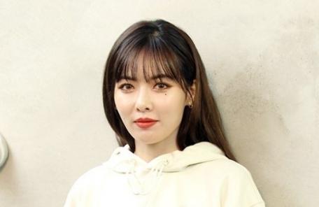 """이던과 열애 현아 """"얼마나 죽을죄 졌길래""""…자필편지 공개"""