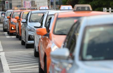 """""""카풀=불법"""" 택시단체 대규모 집회에도…뒷짐진 국토부"""