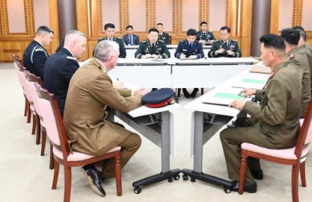 남-북-유엔사 3자협의체 판문점 남측서 개최…JSA 비무장화 논의