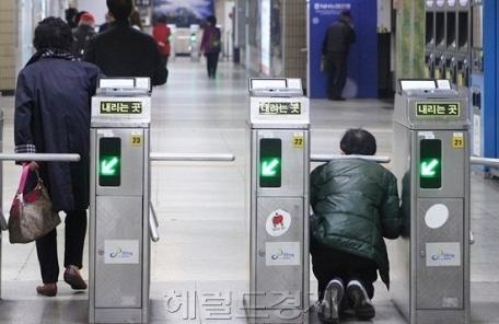 '명동역' 지하철 부정승차 1위…4년간 1만명