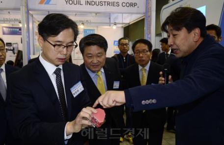 [헤럴드포토] 소재부품-뿌리산업 주간행사에 참석한 박진규 산업부 기획조정실장
