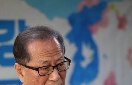 """정세현 전 통일 """"트럼프·김정은 호랑이 등에 타 내릴 수 없다"""""""