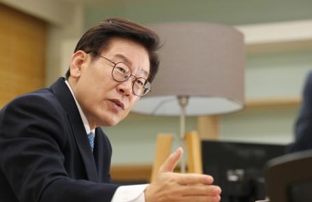 이재명 '친형 강제입원 의혹'... 친형 '정신질환 의심자' 판단 여부가 열쇠