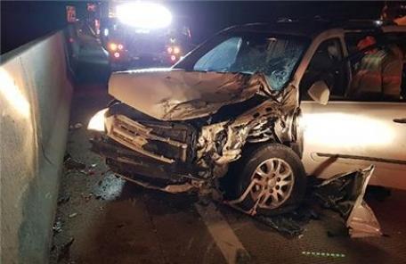 적재물 피하려다…서해안고속도로서 4중 추돌 7명 사상