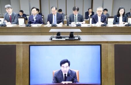 """""""닭장차 경찰버스를 수소차로""""…이 총리, 친환경차 활성화 제안"""