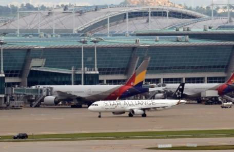 (온 14:00) '사회적 물의' 항공사 운수권 제한…범죄경력자 임원도 'OUT'