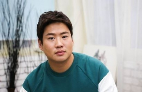 한한령 뚫은 '정봉이'… 안재홍, 中 포드차 모델