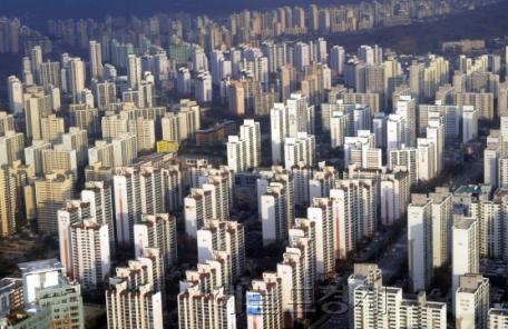 작년 집값 1억 이상 뛴 집주인 104만명…5억 초과도 6만1000명