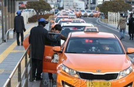 서울택시 기본료 3800원ㆍ심야할증 5400원 인상안 확정…시의회 제출