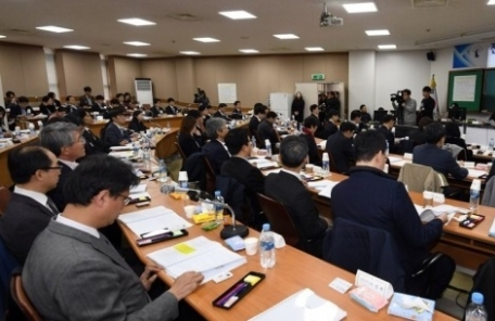"""전국 판사 114명, """"사법농단 연루 판사 탄핵 검토해야"""""""