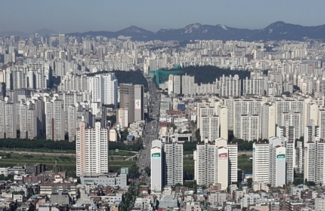 서울 10월 주택거래신고 120% 폭증… 지금은 거래 절벽