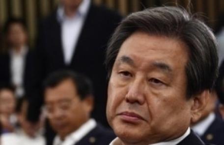 """김무성 """"유럽 정상, 美 관료에 '문재인 대통령은 이상한 사람'"""""""