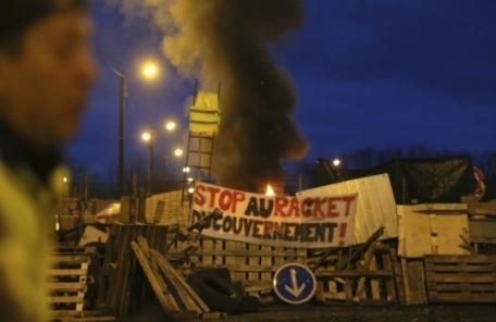 노란조끼, 프랑스 경제에 13조원 피해 전망
