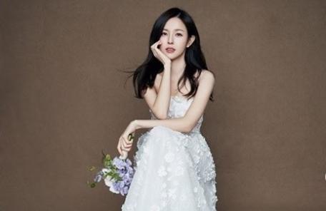 조수애, 은망울꽃 부케 1000만원대…송혜교·최지우도 착용