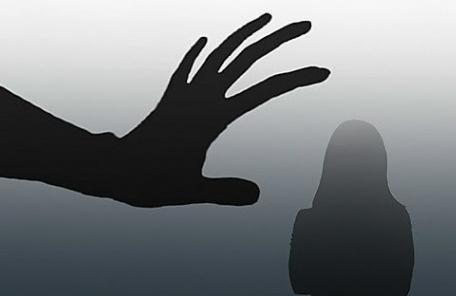 잠자던 게스트하우스 이용객 성추행한 스태프, 징역 3년