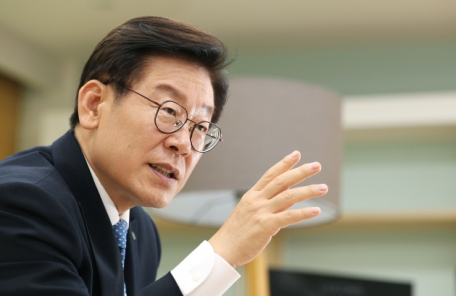 이재명 '아파트 분양원가 공개' .. 국회서 공론화