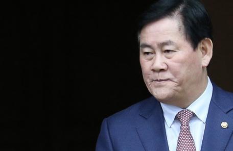 """'국정원 1억' 최경환 """"정치적으로 사망…뇌물죄만 벗게 해달라"""""""