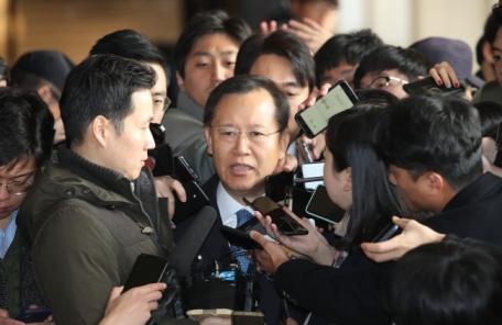 박병대, 이번에는 '셀프 배당' 의혹…檢 고교 후배 진술 확보