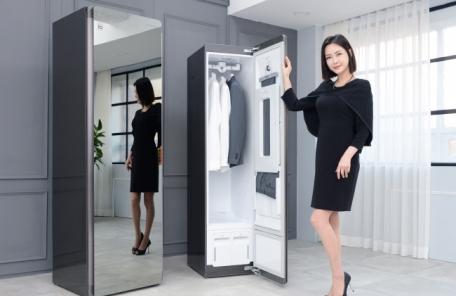 미세먼지 잡는 LG 의류관리기…크기 줄인 '블랙에디션' 출격