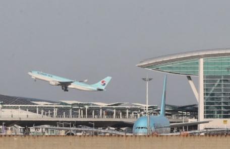 1년 만에 1900만 명 이용…안착 성공한 인천공항 2터미널