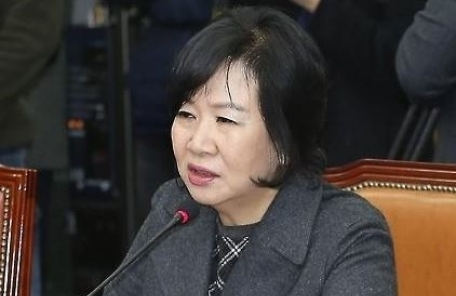 손혜원, 부친 유공자 지정 전 보훈처장 만나