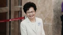 홍콩 첫 여성수반 캐리 람…휴지 사는 법 몰라 조롱당하기도