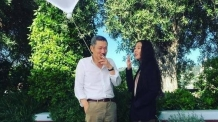 홍상수·김민희, 칸에서 맞담배 피우는 모습 포착