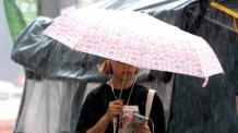 23일 중부지방 '장맛비'…폭염은 여전히 기승