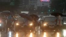 내일도 중부 폭우-남부 폭염 '양극화 현상'