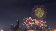 30일 저녁 여의도 한강공원에 10만발 '세계 불꽃' 팡팡