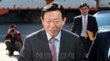 롯데 신동빈, 롯데쇼핑 100만여주 처분… 2,146억원 상당