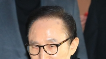 "MB에 배신당한 김희중, 檢 진술…정두언 ""이명박 게임 끝났다"""