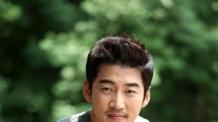 가수 윤계상 '불법튜닝 차량 운전' 50만원 벌금형