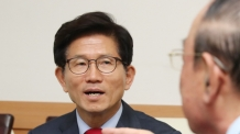 김문수, 'MB 투옥, 박 전 대통령 징역'은 '정치보복'
