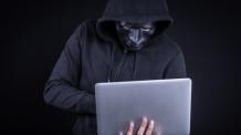 '드루킹' 출판사서 태블릿PC·USB 가져간 기자는 누구?