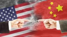 미중 무역전쟁…中 지준율 인하 '돈풀기' vs. 美 '법' 동원 첨단기술 압박