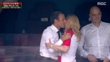 프랑스-크로아티아 정상, 우승 확정 후 우정의 볼키스
