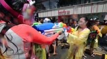 물 펑펑 '신촌 물총축제'...100t 쓰고도 수도요금은 고작 21만원