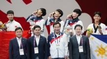[2018 AG] '아빠미소' 이 총리, 태권도 금메달 직접 수여